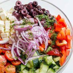 Potluck Recipes, Dinner Recipes, Cooking Recipes, Potluck Dishes, Potluck Ideas, What's Cooking, Lunch Ideas, Greek Salad Pasta, Soup And Salad