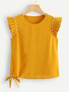 Blusa fruncido con perlas | SHEIN España Pearl Beads, Diy Clothes, Outfit Ideas, Pearls, Blouse, Wood Trunk, Modest Dresses Casual, Dressmaking, Manualidades