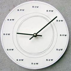 Now / Maintenant - Clock - horloge murale