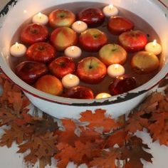 10 Ideas For Your Rosh Hashanah Table - The Social Kitchen Yom Teruah, Yom Kippur, High Holidays, Cozy Meals, Fruit Decorations, Jewish Recipes, Exotic Fruit, Holiday Fun, Holiday Recipes