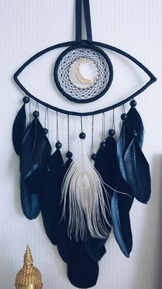 Evil eye dream catcher Wall hanging Room decor - You are in the right place about diy face mask sewing pattern Here we offer you the most beautiful - Dream Catcher Patterns, Dream Catcher Decor, Black Dream Catcher, Giant Dream Catcher, Making Dream Catchers, Diy And Crafts, Arts And Crafts, Cool Crafts, Beautiful Dream Catchers