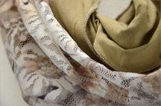 leichter XL-Loop-Schal aus Jersey und Spitze #fashion #inspiration #trend #fall #winter #summer #spring #pantone #frühjahr #sommer #herbst #style #outfit #ootd #filizity