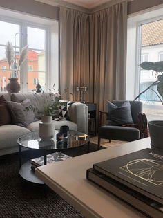 Apartment Interior, Apartment Living, Living Room Designs, Living Room Decor, Beautiful Home Designs, Studio Living, Home Decor Inspiration, House Design, Interior Design