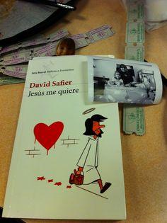 Resenha do livro Jesus me ama! Eu li o livro em espanhol e o título é Jesús me quiere.   autor David Safier.