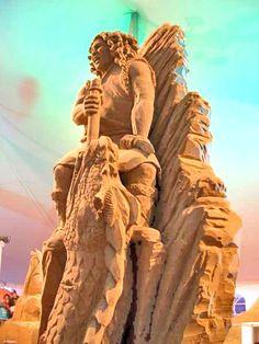 Sand Art By: IMRAN ALAM Sculpture Images, Snow Sculptures, Sculpture Art, Sand Painting, Snow Art, Sidewalk Art, Beach Fun, Worlds Of Fun, Art Images