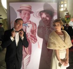Saving Mr. Banks lookalikes.  Wow she really does look like Julie Andrews!
