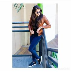 Look Book Fashion. Top Tips To Help You Be More Stylish. Cute Poses For Pictures, Cute Girl Poses, Cute Girl Photo, Girl Pictures, Girl Photos, Cute Girl Image, Couple Pictures, Portrait Photography Poses, Fashion Photography Poses