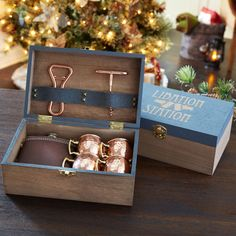 Create this Cozy Lodge Embellished Wood Guy's Gift Box for that special man this holiday season