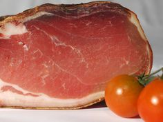 We all love that delicious rich flavor of ham. Take a moment to enhance your ham and add Organic Apple Cider Vinegar for a tasty ham experience. Charcuterie, Boiled Ham, Grandma Cooking, Baked Alaska, Bread Alternatives, Albondigas, Old Fashioned Recipes, World Recipes, Food Website