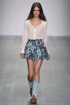. Fall 14, Ss 15, Spring Summer 2015, London Fashion, Skater Skirt, Runway, Mini Skirts, Cat Walk, Walkway