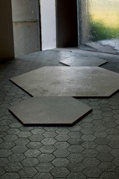 Indoor porcelain stoneware wall/floor tiles DECHIRER DECOR NERO DECHIRER Collection by MUTINA | design Patricia Urquiola