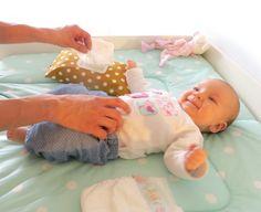 Geschenk zur Geburt - Feuchttücherhülle aus Stoff genäht von Bunny Kids mit aufgesetztem Klappverschluss - Feuchttüchertasche und Windeltasche in einem