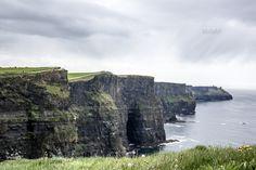 Die Cliffs sind einer der beliebtesten Drehorte für Filme in Irland. Sie wurden unter anderem für Szenen in Harry Potter und der Halbblutprinz, Hear My Song und Die Braut des Prinzen verwendet. Ihr wollt noch mehr übe rdie Cliffs wissen? Hier geht es zu meinem Reisebericht: https://www.facebook.com/wakawariBlog/posts/443813962446169