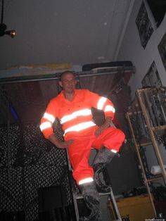 Hi Vis Workwear, Skinhead Boots, Working Men, Sexy Men, Hot Guys, Gay, Mens Fashion, Suits, Clothing
