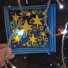 Luukku 2 * 2.12.-16 Tämän päivän luukusta löytyvät väritetyt tähdet. Ajatuksen tähän sain eilen, kun Yle tiede kertoi, että joulukuun tähtitaivaalta löytyvät Orion, Sirius& Geminidit. V…