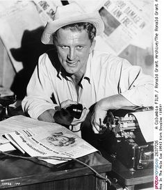 Ace In The Hole [us 1950] Kirk Douglas (1950) -- 1950 Acteur Année Années 50 As Film Gordon Douglas Histoire Historique Jeu Jeu De Cartes Jeu De Société Kirk Douglas Loisirs Noir Et Blanc Personnalités Réalisateur Trou