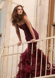 My favorite Gossip Girl, Leighton Meester poses in a Vera Wang couture gown on a balcony for the new Wang perfume 'Lovestruck'She looks so beautiful! Mode Gossip Girl, Estilo Gossip Girl, Gossip Girls, Gossip Girl Dresses, Gossip Girl Fashion, Gossip Girl Style, Gossip Girl Wedding, Gossip Girl Blair, Gossip Girl Outfits