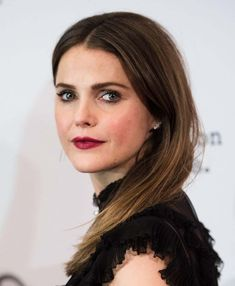 Keri Russell is listed (or ranked) 73 on the list The Most Gorgeous Girls on Primetime TV Celebrities With Green Eyes, Women With Green Eyes, Most Attractive Female Celebrities, Beautiful Celebrities, Stunning Women, Most Beautiful, Keri Russell Style, Elizabeth Jennings, Easy Hairstyles For School