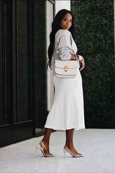 The Best Investment Bags: My Top 5 Source by highlowluxxe Bags for work Classy Outfits, Stylish Outfits, Modest Outfits, Modest Fashion, Fashion Outfits, Fashion Trends, Black Girl Aesthetic, Mode Streetwear, Black Women Fashion