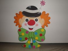 Tonkarton Fensterbild  ~ Clown Kopf ~ Karneval Fasching Preschool Circus, Es Der Clown, Clowning Around, Diy Crafts For Kids, Mardi Gras, Animals And Pets, Clowns, Carnival, Applique