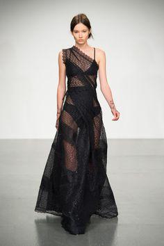 Antonio Berardi, Spring 2018 - London Fashion Week's Most Unforgettable Dresses - Photos