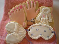 Spa decorated cookies  HV: cukormáz ételfestékek habzsák dekorcső coupler Megvásárolhatsz mindent a GlazurShopban! http://shop.glazur.hu #kekszdekoracio