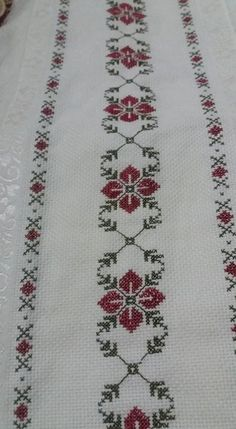"""Sadece 2 Dakika`da göz altı to"", ""Towel with Cross-Stitch"", ""Discover thousands of images about Pano"" Cross Stitch Borders, Cross Stitch Flowers, Cross Stitch Designs, Cross Stitching, Cross Stitch Embroidery, Embroidery Patterns, Hand Embroidery, Cross Stitch Patterns, Canvas Template"