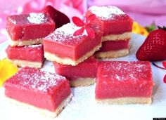 Pink Lemonade Bars: A fun twist on the classic lemon bar. They really should be called Strawberry Lemonade Bars. Just Desserts, Delicious Desserts, Dessert Recipes, Yummy Food, Awesome Desserts, Baking Recipes, Chocolates, Lemonade Bar, Pink Lemonade
