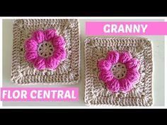 Cuadrado de la abuelita a crochet con flor central - YouTube