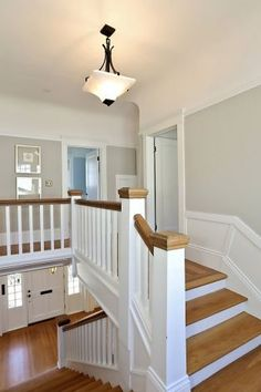 1084 Clarendon Crescent is a two-story Dutch Colonial in Crocker Highlands. Photo: Liz Rusby/The Grubb Co. Oak Stairs, House Stairs, Carpet Stairs, Wall Carpet, Dutch Colonial Homes, Colonial Kitchen, Indoor Railing, Foyer Decorating, Decorating Ideas