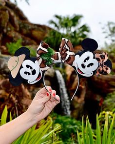 Safari Mickey and Minnie ears Diy Disney Ears, Disney Mickey Ears, Disney Diy, Disney Crafts, Cute Disney, Mickey Mouse, Disney Headbands, Disney Clothes, Holiday