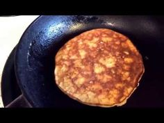 No Flour Banana Pancakes – Easy And Healthy Fitness Recipe - Healthy Food House No Flour Pancakes, Pancakes Easy, Banana Pancakes, 2 Ingredient Pancakes, Sem Lactose, Cooking Recipes, Healthy Recipes, Calories, Gluten Free Recipes