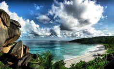 Playa de Grand Anse en La Digue, en la República de Seychelles (Océano Índico).