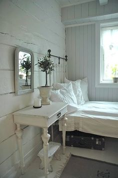 Love the white floors and walls in plank board ~ would love to try this on my bedroom but add my blues and lavenders to the colour scheme.