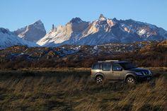 Localizado em uma reserva privativa, vizinha do Parque Nacional Torres Del Paine, o Awasi Patagonia tem vista privilegiada ao imponente maciço Las Torres e Lago Sarmiento. Inspiradas em antigos refúgios patagônicos as 12 (doze) vilas foram construídas privilegiando a vista aos bosques, lagos, pampas e montanhas com privacidade.
