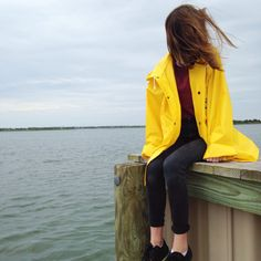 ༺⋆∘°• @ahhbby •°∘⋆༺ : I really want a yellow rain coat like this, does anybody know where to get a good quality one?