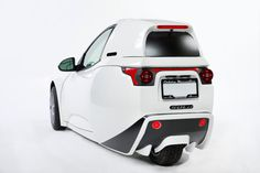 The Vancouver-based car company Electra Meccanica debuted its all-electric three-wheeled commuter car at the Luxury and Supercar Weekend Concourse, and it sells for just $15,400.