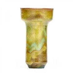 """GERTRUD NATZLER (1908 - 1971); OTTO NATZLER (1908 - 2007) - Cylindrical vase, fine[...], mis en vente lors de la vente """"Céramiques et Verreries Modernes"""" à Rago Auctions   Auction.fr"""
