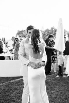 Wedding Arch Flowers, White Wedding Bouquets, Wedding Gowns, Our Wedding, Garden Wedding, Wedding Venues, Tan Suit Wedding, Linen Suit, Wedding Inspiration
