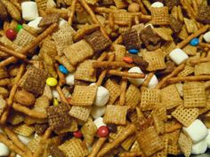 Cookin' It Up In Texas: Better than Turtle Chex Mix Just Desserts, Dessert Recipes, Chex Mix Recipes, Christmas Goodies, Finger Foods, Healthy Snacks, Sweet Tooth, Turtle, Sweet Treats