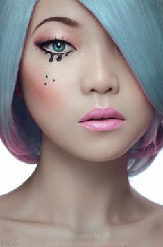 Blue hair ombre pink make up model, pastel hair, pink hair, pastel makeup, Maquillage Halloween, Halloween Makeup, Blue Hair, Pink Hair, Pastel Hair, Makeup Art, Eye Makeup, Pastel Makeup, Doll Makeup