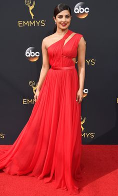 Emmys 2016: Best Dresses of the Night - Priyanka Chopra in custom Jason Wu