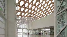 Resultado de imagen para arquitecto shigeru ban Barcelona Architecture, Barcelona City, Shigeru Ban, Blinds, Planets, Chandelier, Ceiling Lights, Curtains, Dance