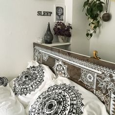 A wonderful mix of boho and scandi style, this is a lesson on how to turn a tiny rental into a cozy inspiring space.