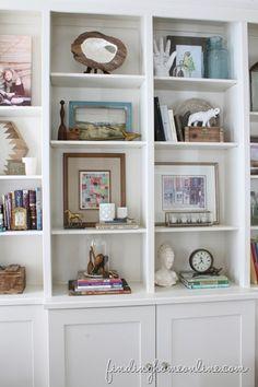 DecoratingIdeasBookcaseStyling.jpg 320×480 pixels