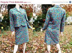 ON SALE 35% OFF Womens 70s Suit /Vintage Skirt by gottagovintage1