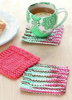 Knook Coaster ePattern - The free Knook Coaster ePattern from Leisure Arts is a quick and easy way to learn to knit with the Knook.