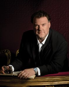 Opera singer and @manutd fan Bryn Terfel says his interest in the club stems from his days marveling at the skills of George Best.