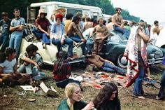 Woodstock was and amazing festival full of music and good vibes. We go over 25 rare historical photos from Woodstock!