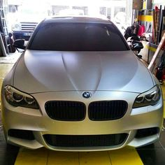 BMW f10 wrapped in matte silver vinyl . 0212 286 48 43